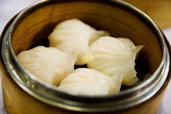 har gau - steamed shrimp dumplings